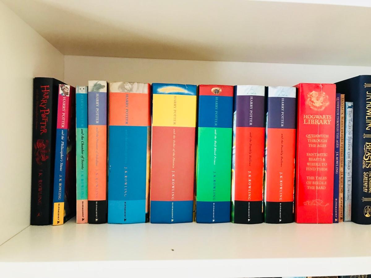 My bookshelves: A littletour…